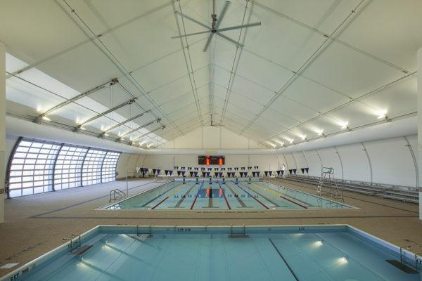 קירוי לבריכת שחייה