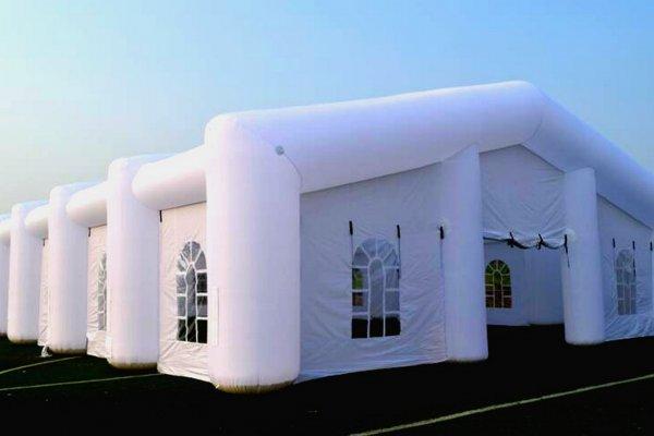אוהל ענק מתנפח