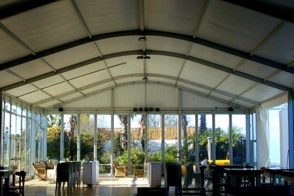 מבט מבפנים על אוהל אירועים למכירה
