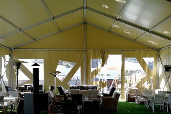 מבט מבפנים על אוהל חורף